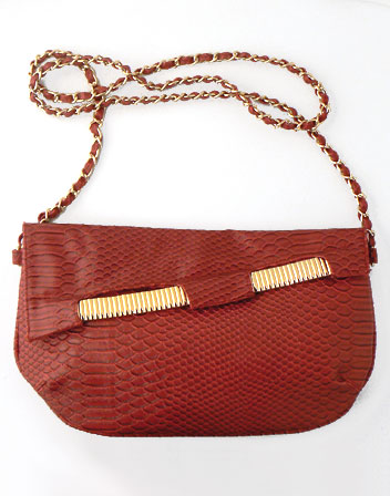 location Pochette sac croco rouge