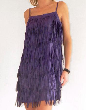 location de robe franges violettes robe courte franges violettes en location pour soir e. Black Bedroom Furniture Sets. Home Design Ideas