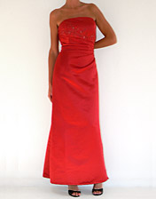 Robe bustier satin rouge a louer pour soiree