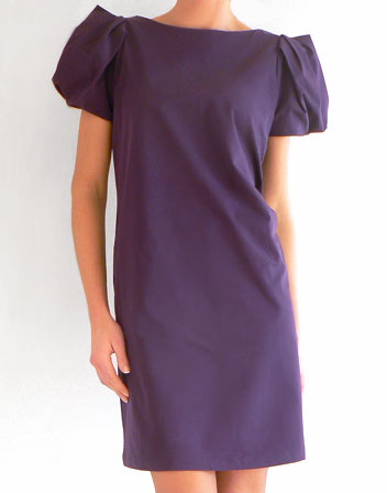 Robe de cocktail violette en location