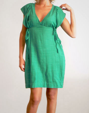 Robe verte SANDRO en location