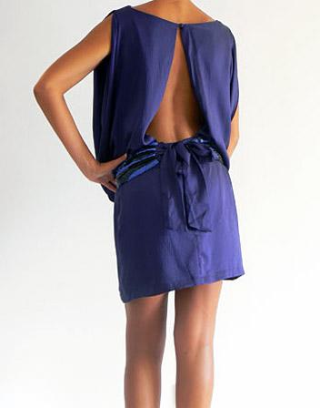 location robe 100 soie bleu dos nu et ceinture en. Black Bedroom Furniture Sets. Home Design Ideas