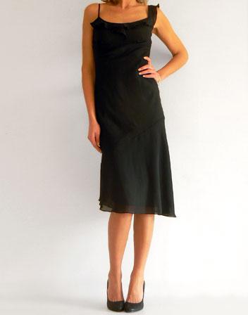 location de robe noire avec une bretelle volant robe de soir e noire a bretelles en location. Black Bedroom Furniture Sets. Home Design Ideas
